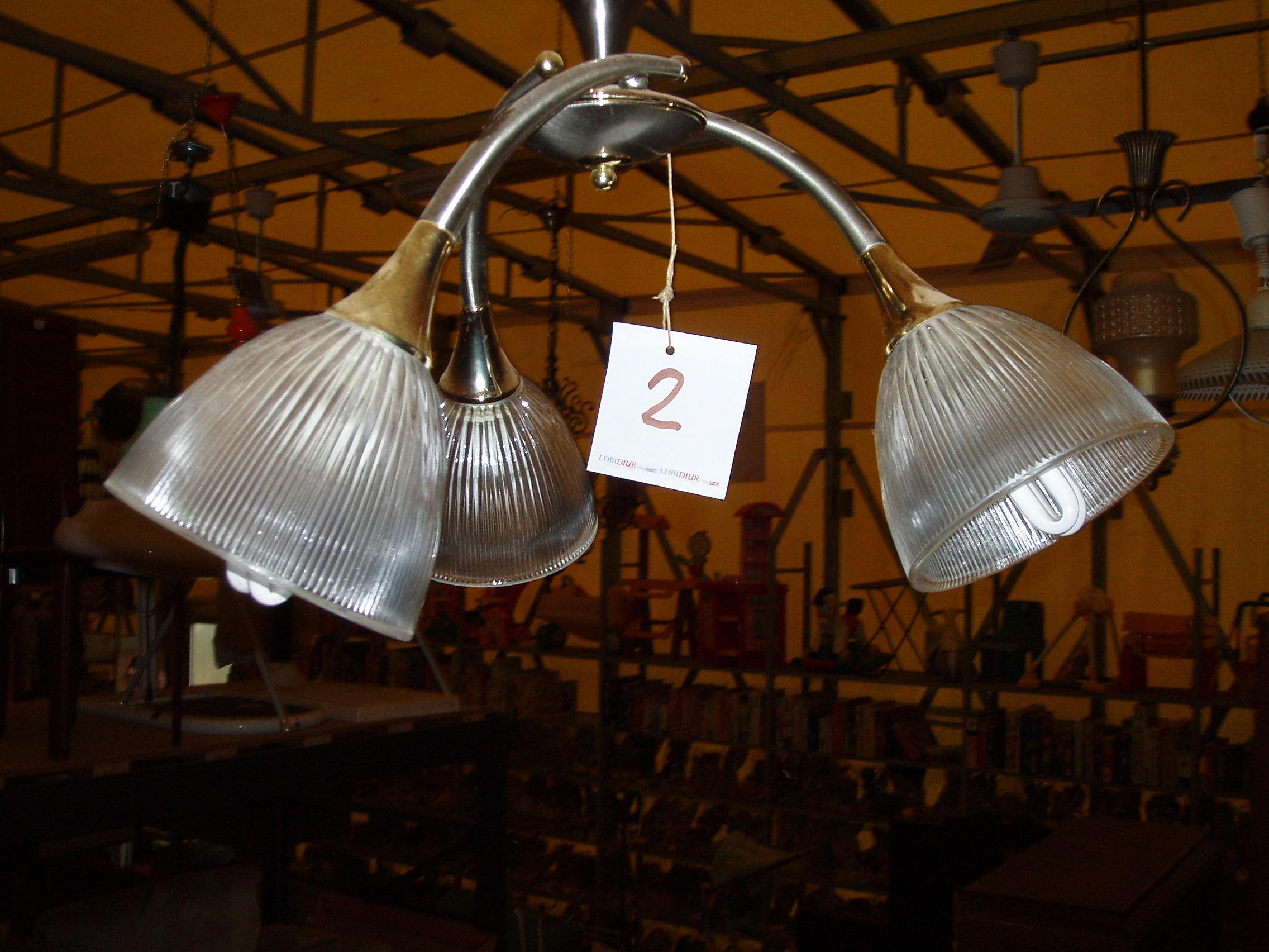 Lampadari usati monza e brianza il tendone solidale for Mercatino usato monza