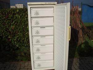 congelatore verticale siemens a cassetti