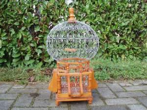 gabbia per uccelli in legno e ferro decorato