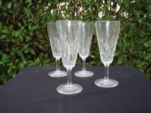 12 bicchieri di varie dimensioni