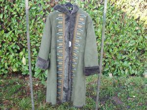 cappotto verde ragazza