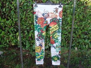 pantaloni ragazza colorati
