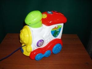 trenino giocattolo in plastica