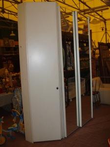 armadio ante scorrevoli bianco con specchi