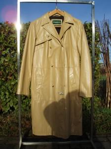 cappotto donna in pelle color cachi