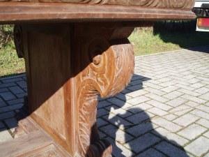 lavorazione sulle gambe in legno