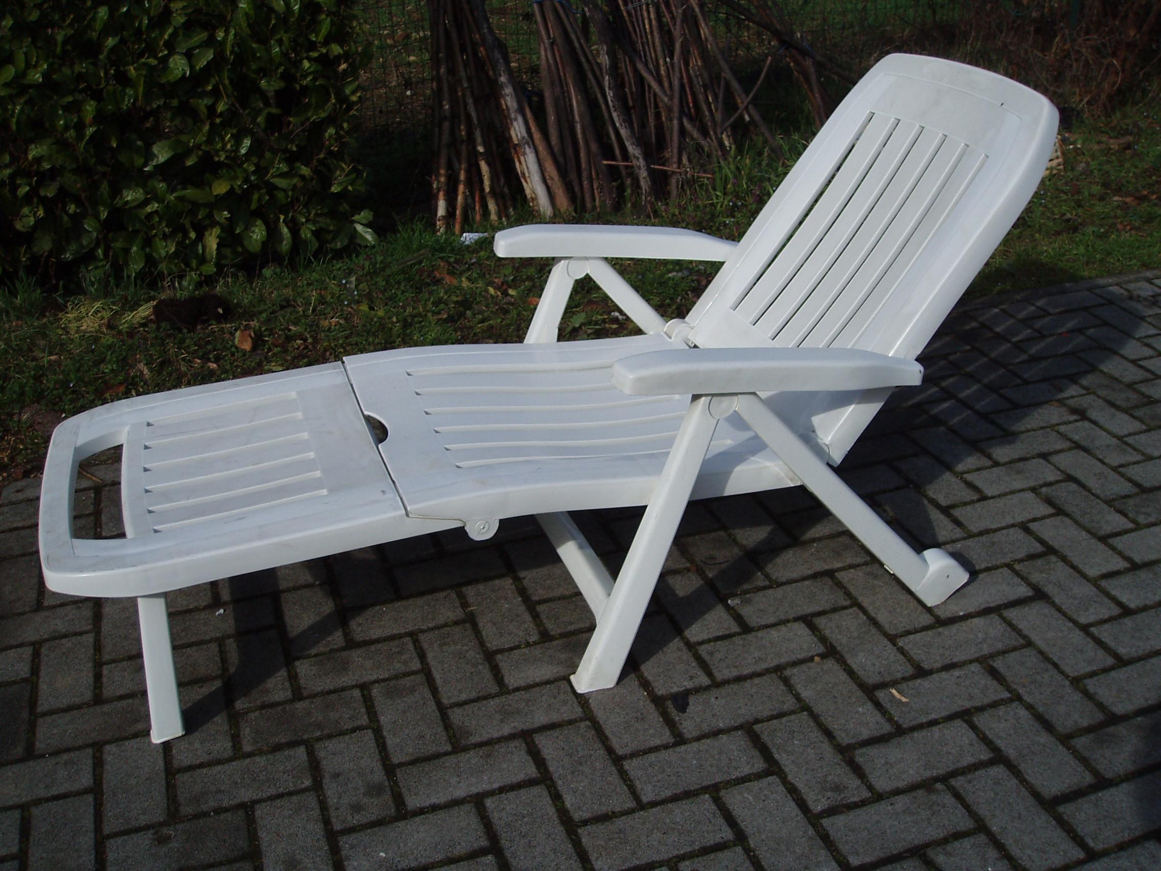 Sedie Di Plastica Usate : Sedia sdraio plastica sedia sdraio da marrone liege mobili