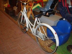 bici bianca donna