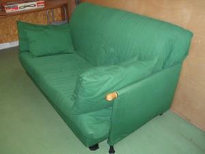 divano letto matrimoniale verde