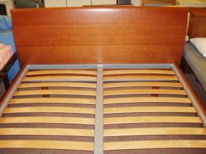 vista testata letto in legno
