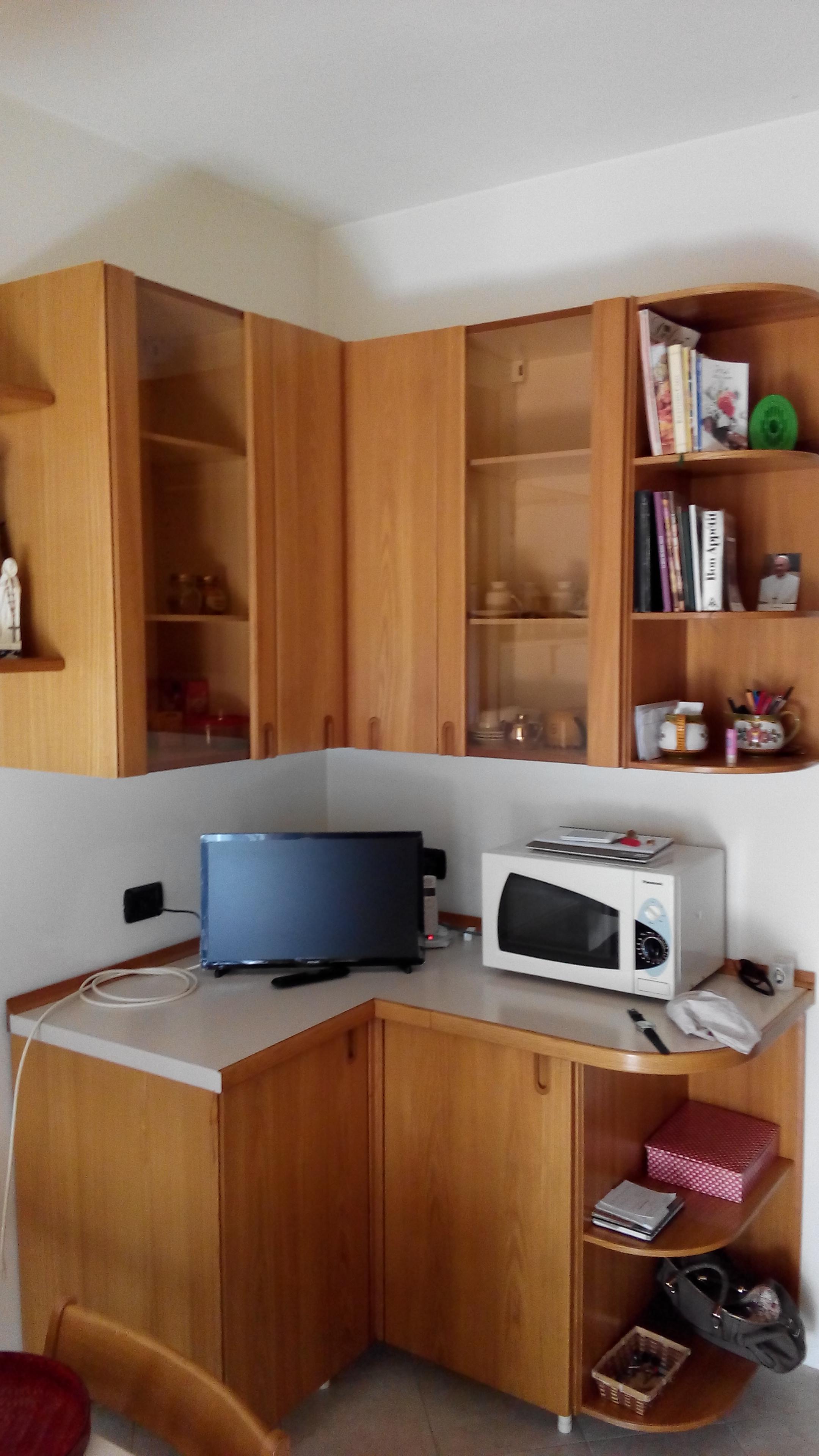 Camerette moderne nere sedie da ufficio il massimo for Sedie nere ecopelle