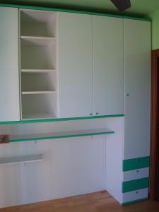 armadio ponte bianco e verde