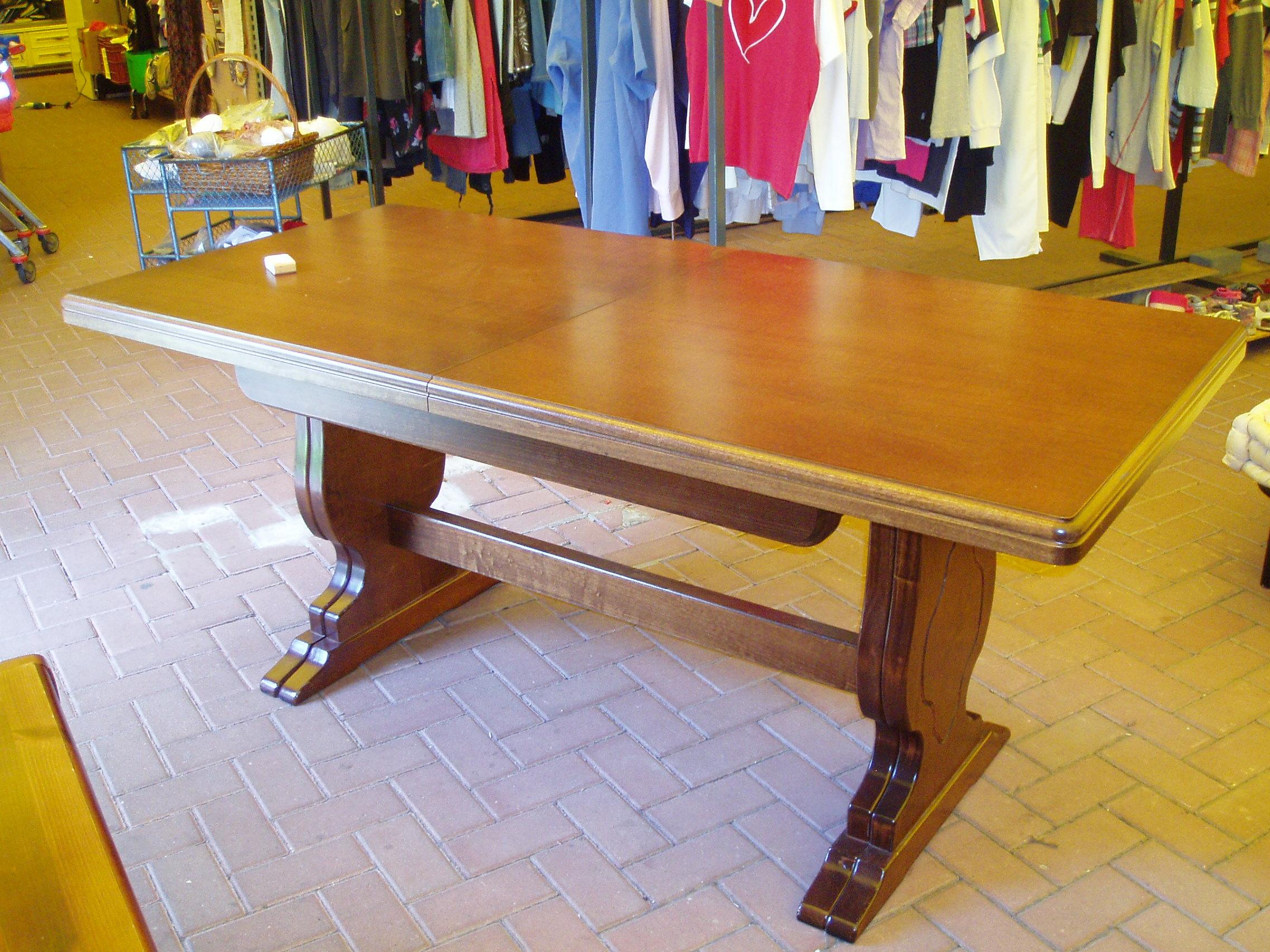 tavolo da taverna allungabile a 360 cm – Il Tendone solidale ...