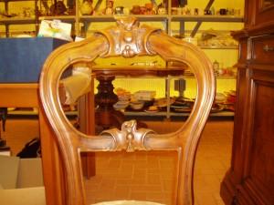 particolare schienale della sedia