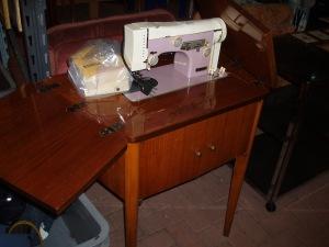 macchina a cucire necchi elettrica