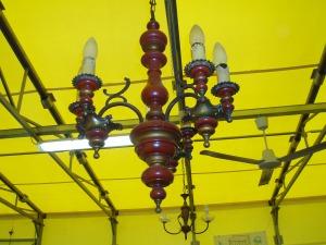 lampadario in legno a sei luci