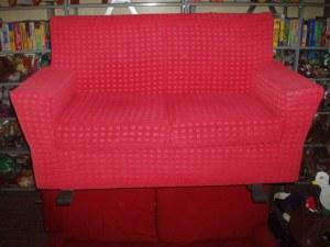 divano rosso due posti sfoderabile