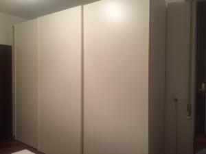 armadio bianco ad ante scorrevoli 340 cm
