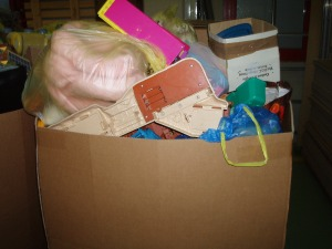 scatolone giocattoli vari