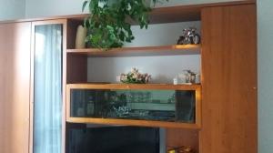 mobile soggiorno panna e ciliegio vista parte sopra