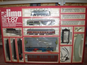 trenino lima con smistatore,deposito, ferrovia sopraelevata